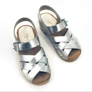 Hanna Andersson leather Swedish sandals clogs